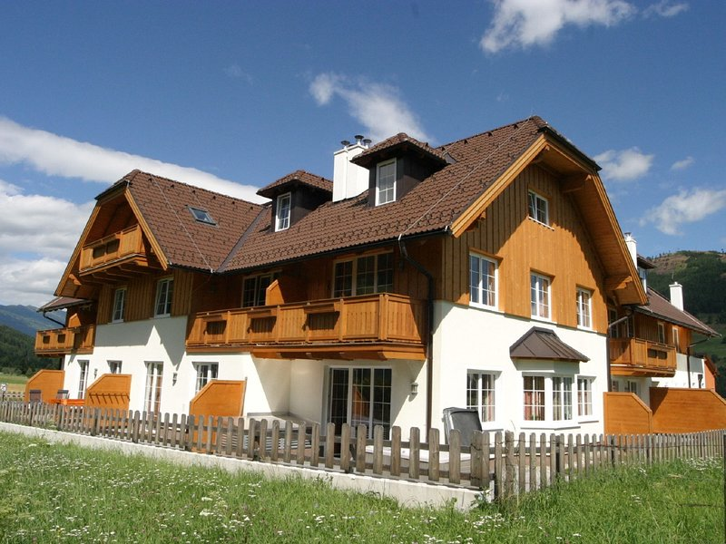Comfortable Apartment with Jacuzzi in Sankt Margarethen, location de vacances à Innerkrems