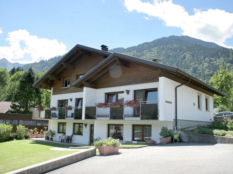 Lovely Apartment in Vandans with Terrace, alquiler de vacaciones en Bludenz