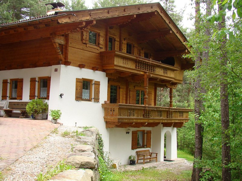 Cozy Apartment in Obsteig near Ski Area, holiday rental in Nassereith