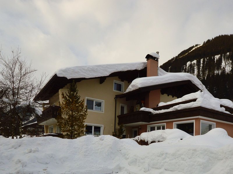 Cosy Apartment in Lermoos, with ski-lift nearby – semesterbostad i Plansee