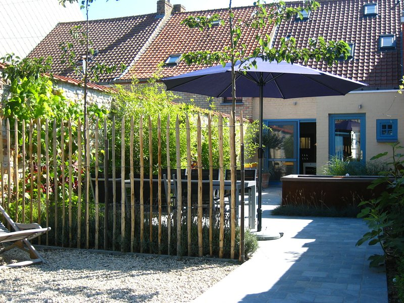 Spacious Holiday Home in Nieuwpoort with Garden, casa vacanza a Lombardsijde