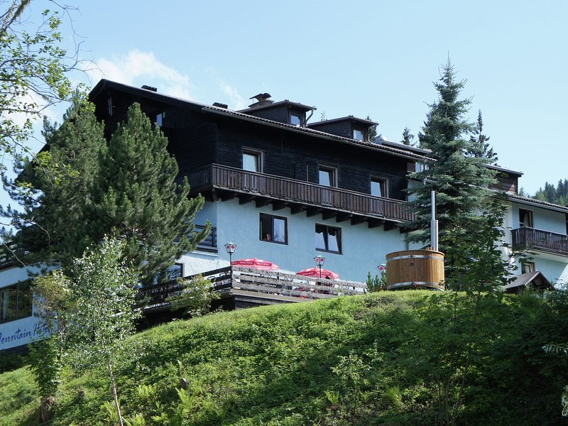 Spacious Villa in Afritz am See with Sauna, holiday rental in Afritz