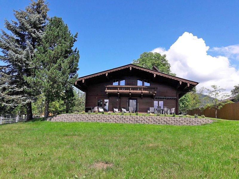 Beautiful Chalet in Reith im Alpbachtal near Ski Area, holiday rental in Strass im Zillertal