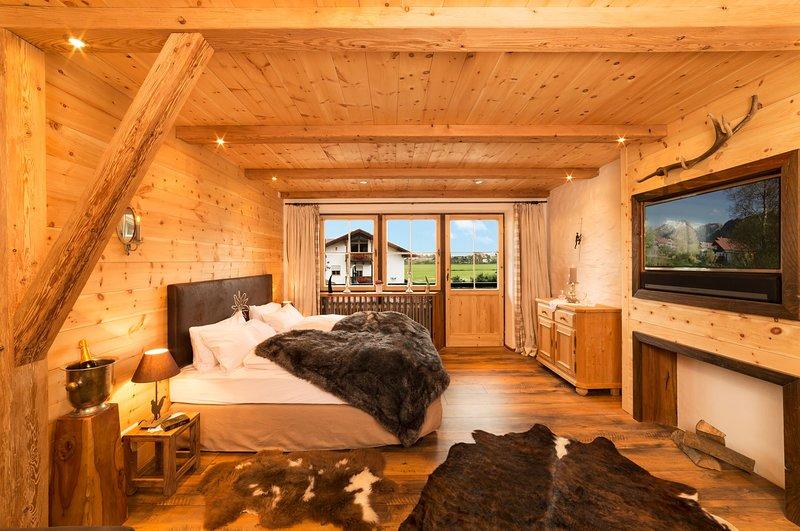 Idyllisches Alpenchalet mit Bergpanorama, holiday rental in Bayerisch Gmain