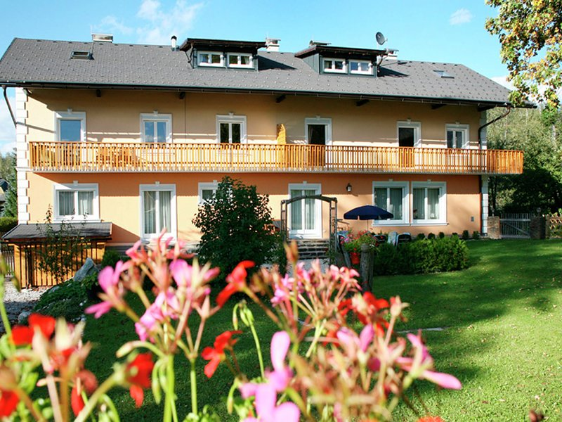 Spacious Apartment in Bad Mitterndorf  with Relaxing Sauna, location de vacances à Bad Mitterndorf