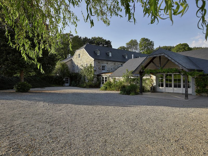 Formidable large house in the vicinity of Spa, lots of activities possible, holiday rental in Banneux