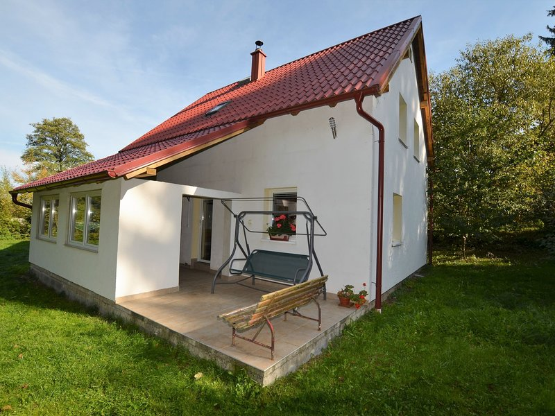 Lovely Holiday Home in Staré Sedlište near Lake, holiday rental in Konstantinovy Lazne