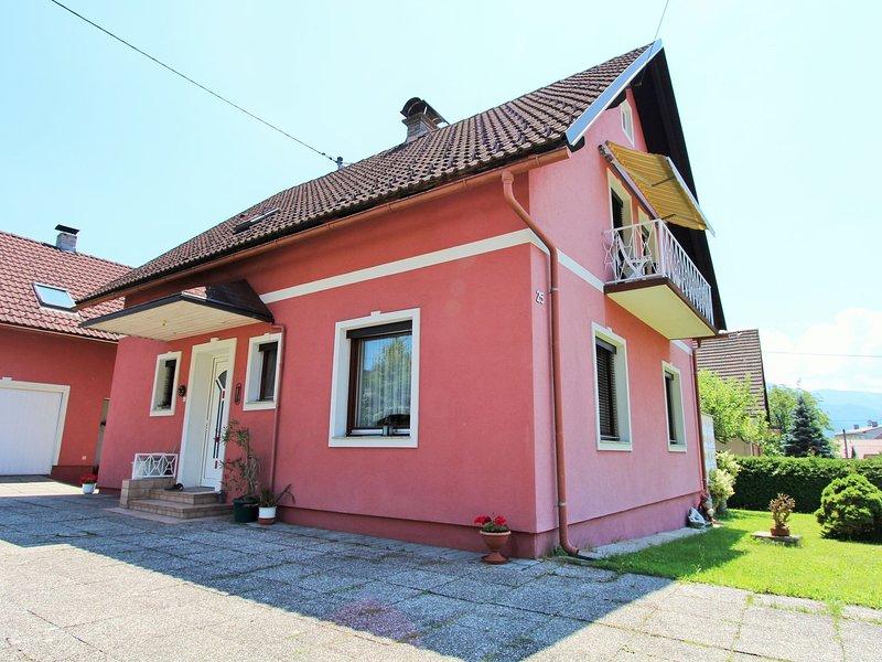 Cozy Apartment in Eberndorf near Ski Area, holiday rental in Gallizien