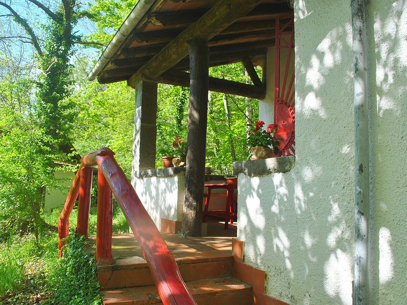 Vintage Holiday Home with Pool in Migliorini, location de vacances à Popiglio