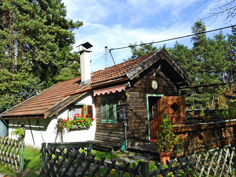Cozy Chalet in Obsteig with Terrace, holiday rental in Telfs