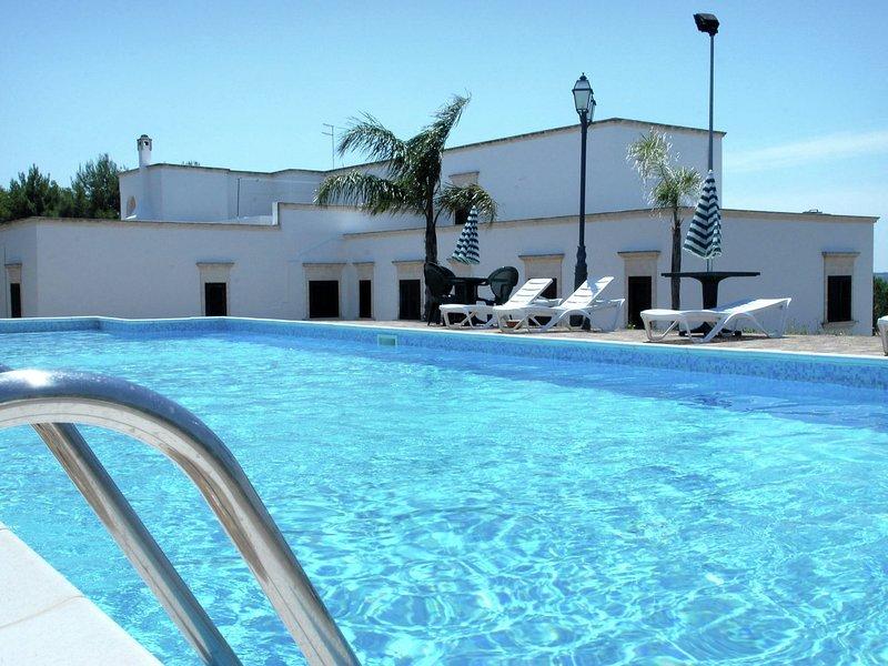 Beautiful Mansion in Torricella with Swimming Pool, holiday rental in Monacizzo-Librari-Truglione