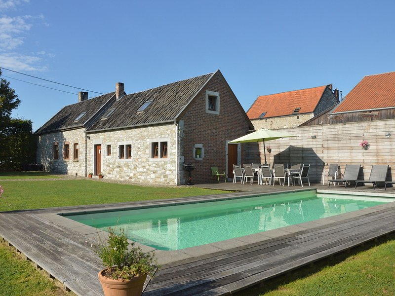 Charming Cottagewith Private Swimming Pool in Limbourg, vacation rental in Limbourg