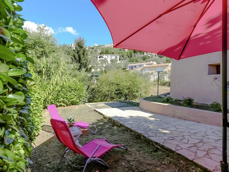 Detached, charming house in the hinterland of Nice (20 km), holiday rental in Coaraze