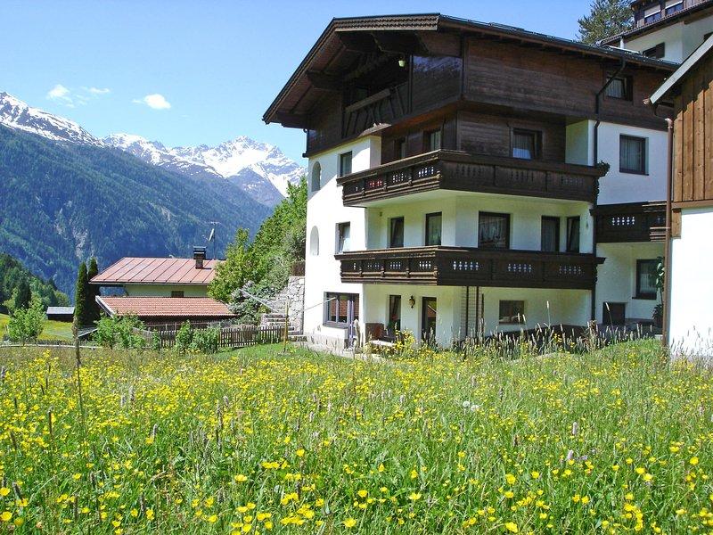 Cozy Apartment in Tobadill near Ski Area, aluguéis de temporada em Grins