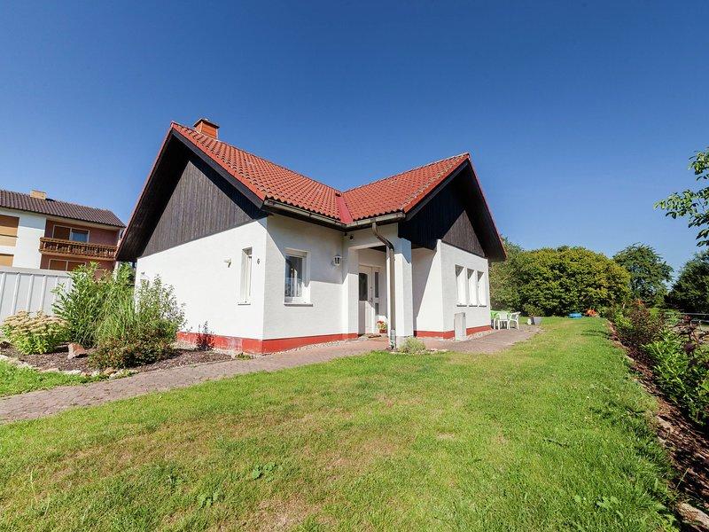 Detached house in a quiet location with garden and terrace, aluguéis de temporada em Gilserberg