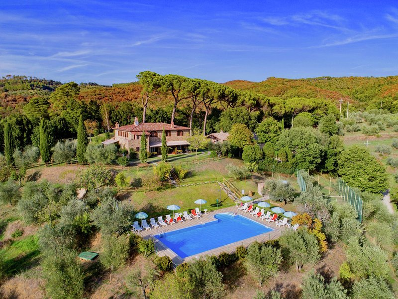 Agriturismo with swimming pool, private terrace, beautiful surroundings, holiday rental in Citta della Pieve