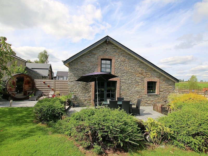 Modern Holiday Home in Jehonville with Terrace, vacation rental in Libin