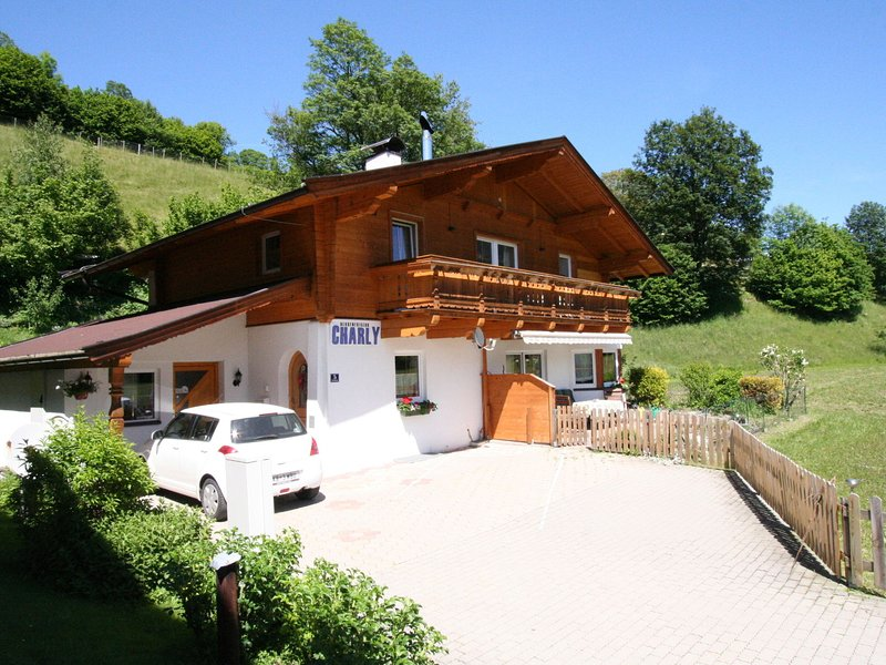 Luxurious Apartment in Brixen im Thale Tyrol with Balcony, holiday rental in Brixen im Thale
