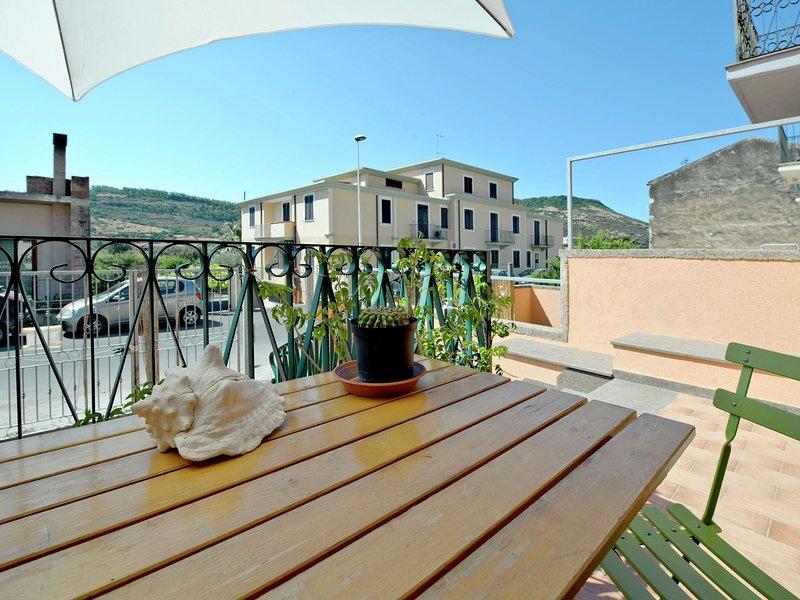Modern Holiday Home in Bosa Sardinia near Sea, location de vacances à Bosa
