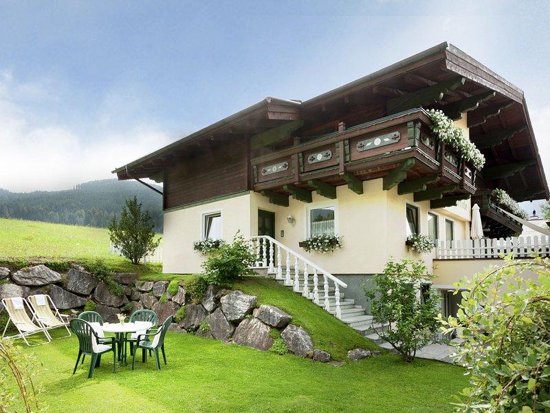 Modern Mansion with Sauna near Ski Area in Filzmoos, holiday rental in Filzmoos