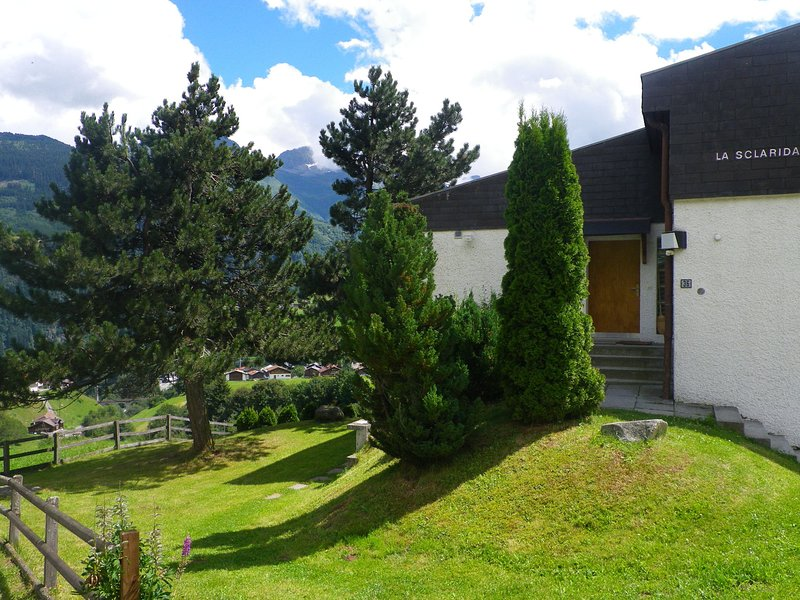 property (2-4 pers.) well cared for décor., holiday rental in Gurtnellen