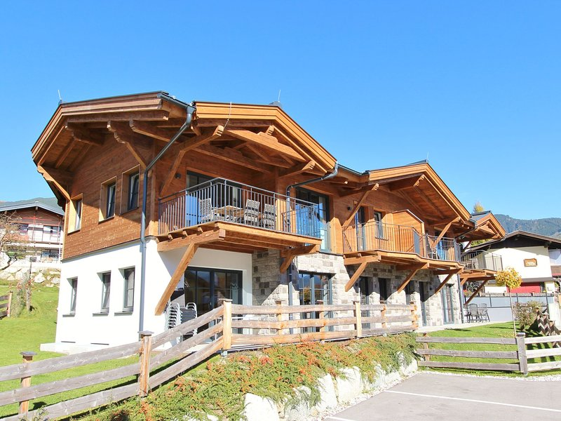 Stylish Penthouse in Piesendorf Salzburg near Ski area, holiday rental in Piesendorf