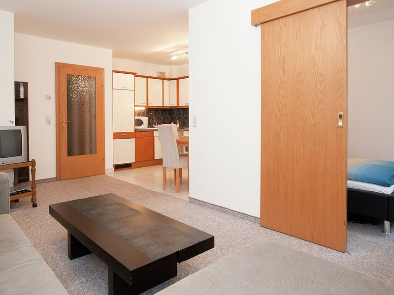 Comfortable Apartment in Zell am See near Forest, alquiler vacacional en Thumersbach