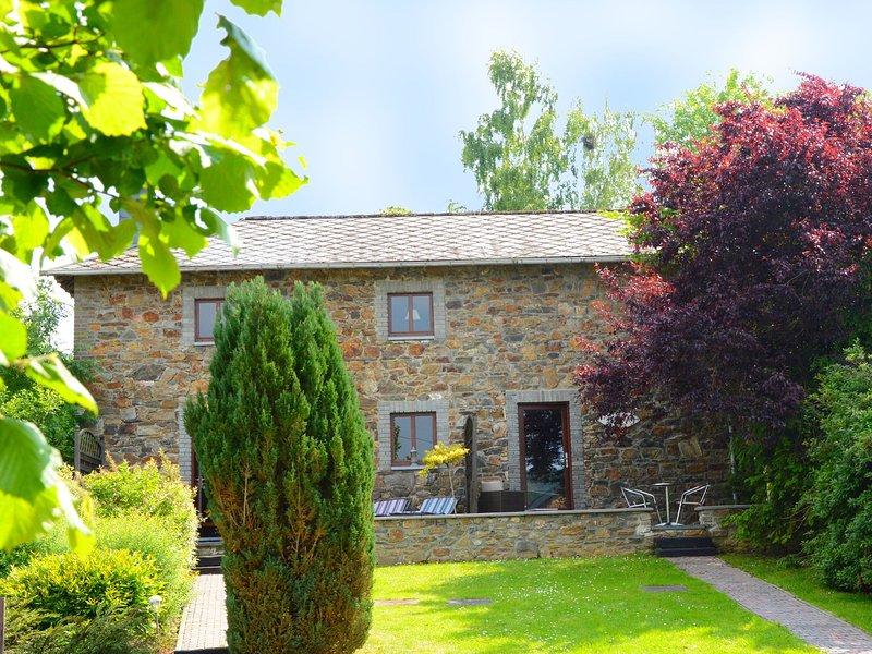 Charming Cottage in Stoumont Liiege with colourful garden, location de vacances à Francorchamps