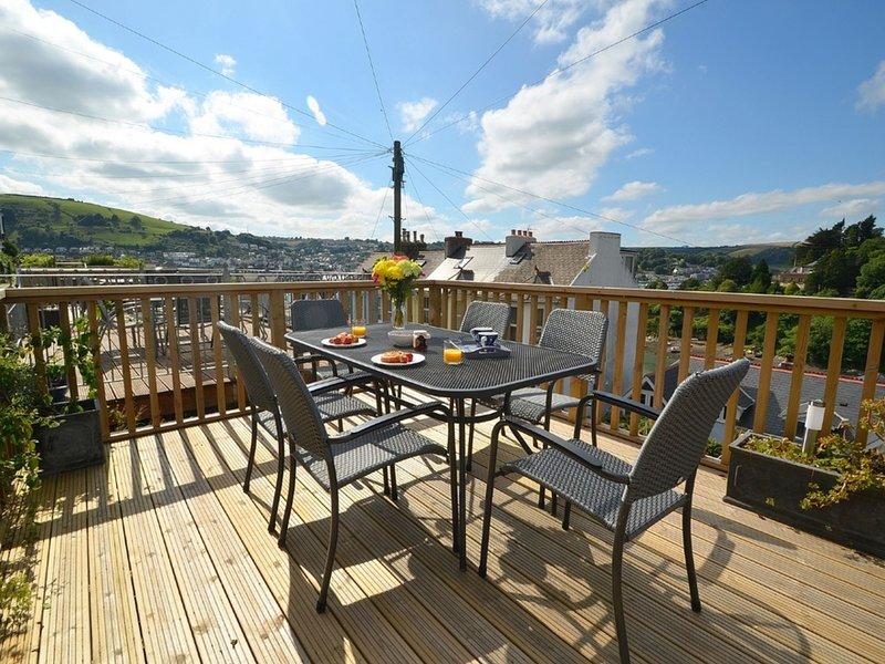 Peaceful Holiday Home in Kingswear Devon with Dart View, vacation rental in Kingswear