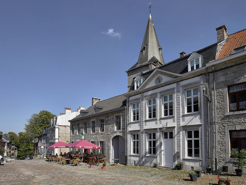 Luxurious Cottage in Limbourg with Private Garden, vacation rental in Limbourg
