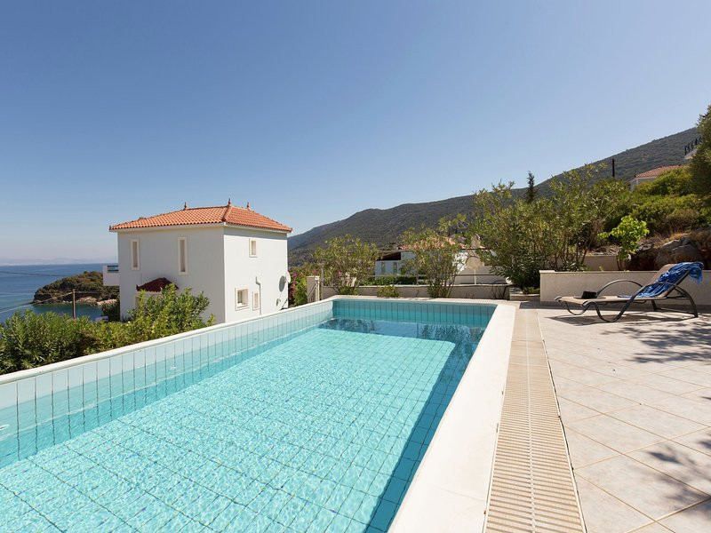 Beautiful Villa in Agia Paraskevi Samos with Swimming Pool, holiday rental in Agia Paraskevi