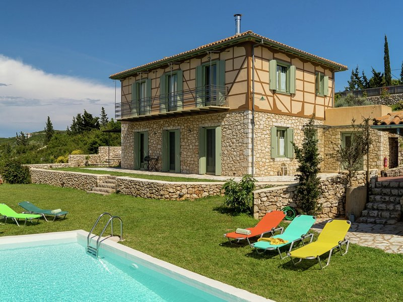 Charming, warm vacation home, private pool, privacy and seaview, west Lefkas, holiday rental in Tsoukalades