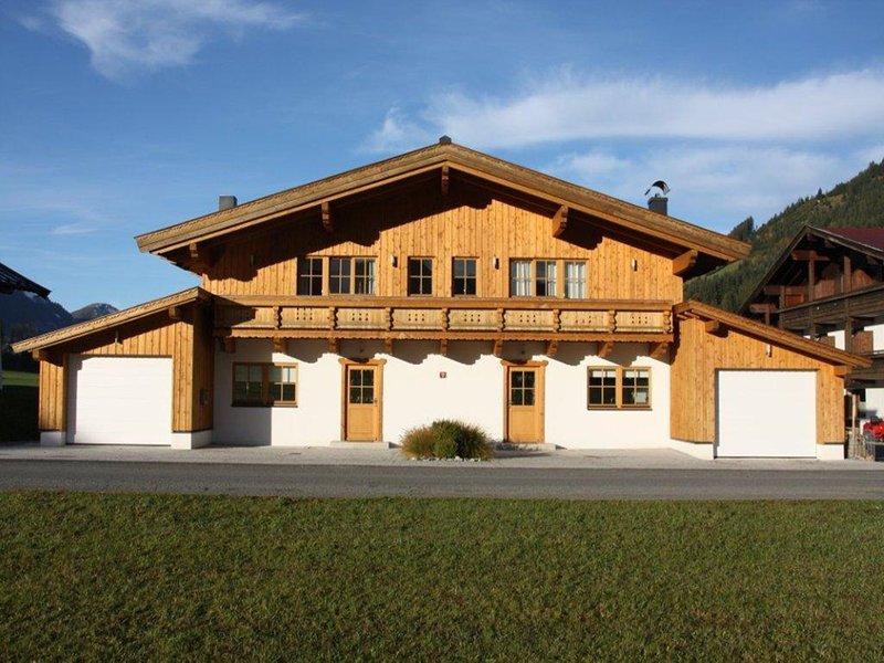 Modern Chalet in Sankt Jakob in Haus near Pillersee, vacation rental in Lofer
