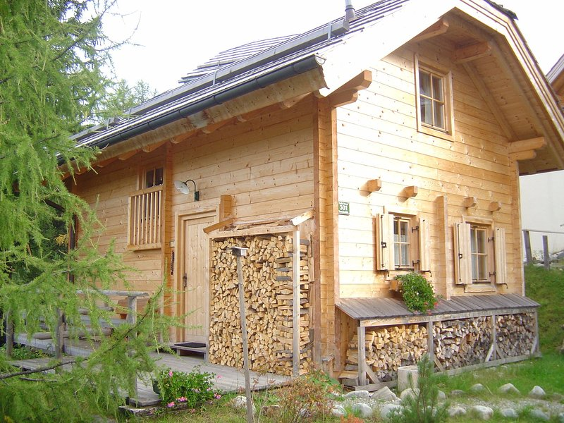 Cozy Chalet in Turracherhohe Syria with Swimming Pool, Ferienwohnung in Turracher Höhe