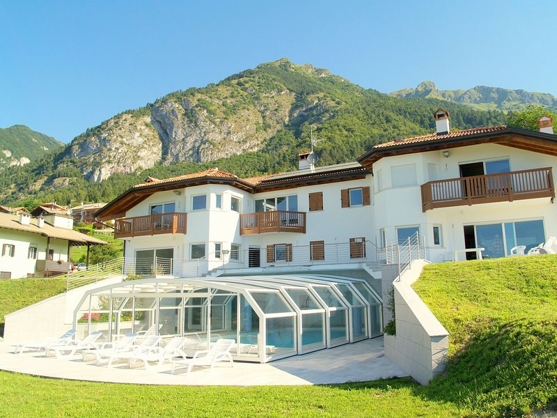 Apartment is located in a villa 700m above sea level., vakantiewoning in Stenico