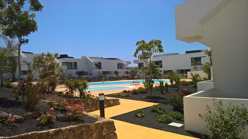 Exklusive und stilvolle Ferienwohnung mit privater Dachterasse, vacation rental in Villaverde