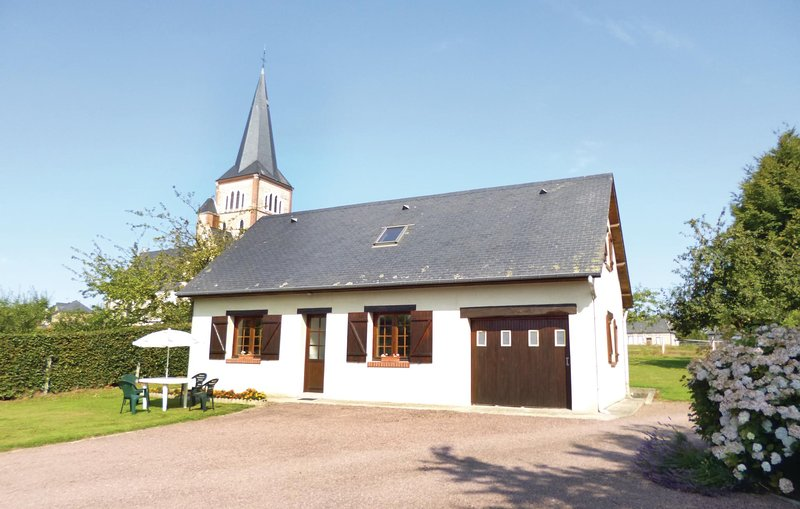 Awesome home in Bermonville with WiFi and 3 Bedrooms (FNS026), alquiler vacacional en Hericourt-en-Caux