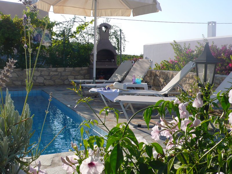 Stylish detached villa, private pool, roof terrace, sea view, coast NW, holiday rental in Loutra