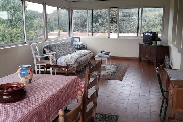 Beautiful house in Loguivy-Plougras, vacation rental in Plouaret