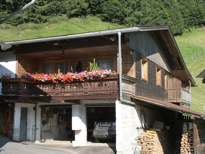 Luxurious Apartment in Kaltenbach Tyrol near Ski Area – semesterbostad i Ahrnbach