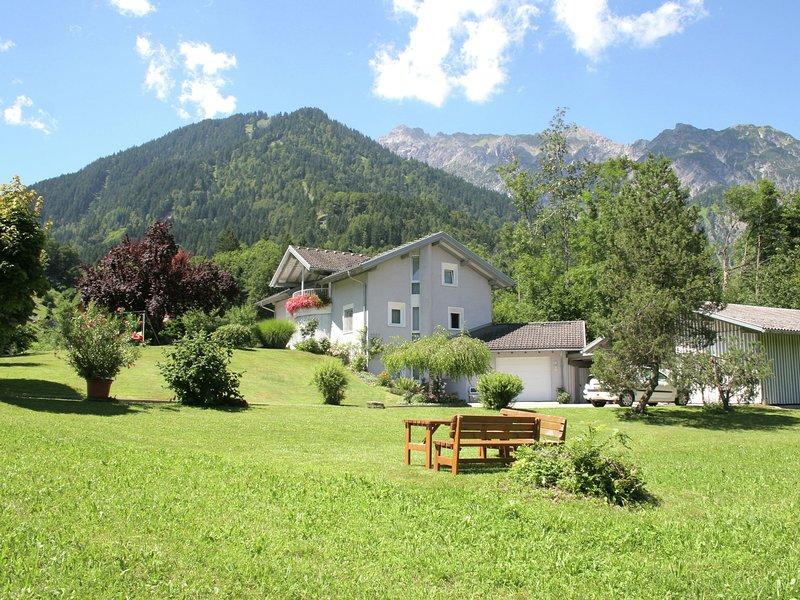 Deluxe Apartment in Vandans with Sauna, alquiler de vacaciones en Bludenz