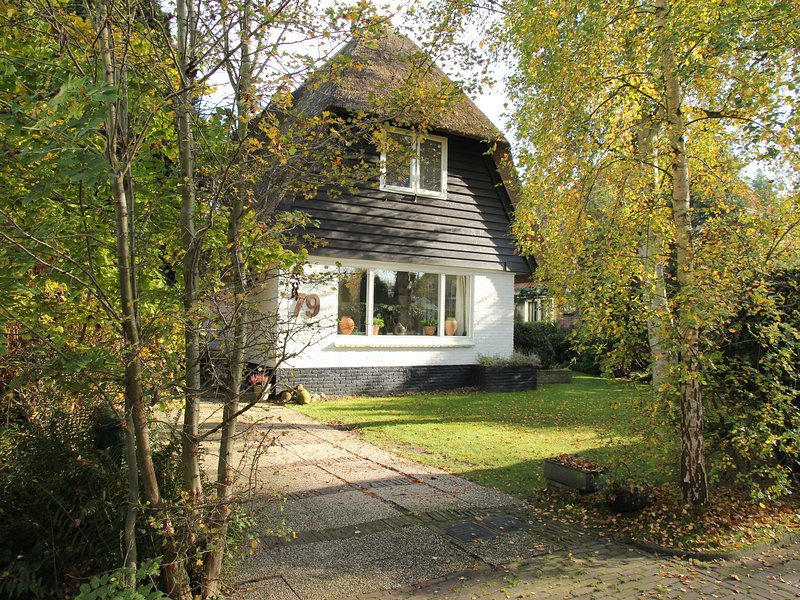 Atmospheric, well-kept country house located near Bergen aan Zee, holiday rental in Oterleek