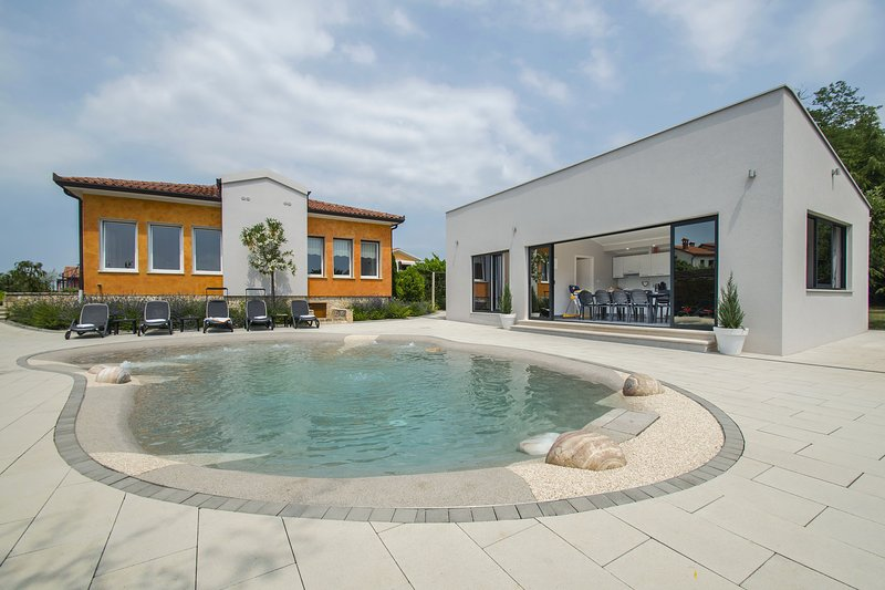 Villa Franka, All the Comfort of Home, holiday rental in Nedescina