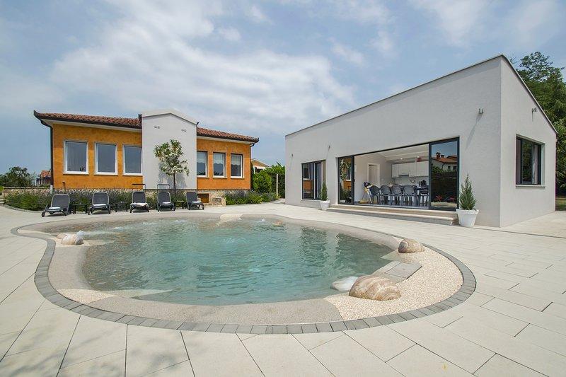 Villa Franka, All the Confort of Home, location de vacances à Jurazini
