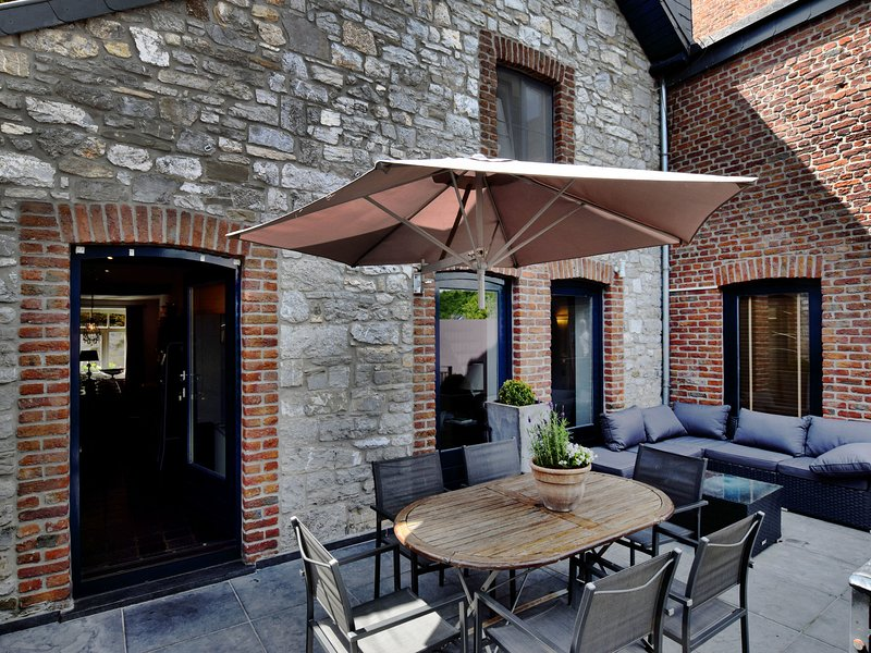 Vintage Holiday Home in Verlaine-Sur-Ourthe with Valley View, vacation rental in Hamoir