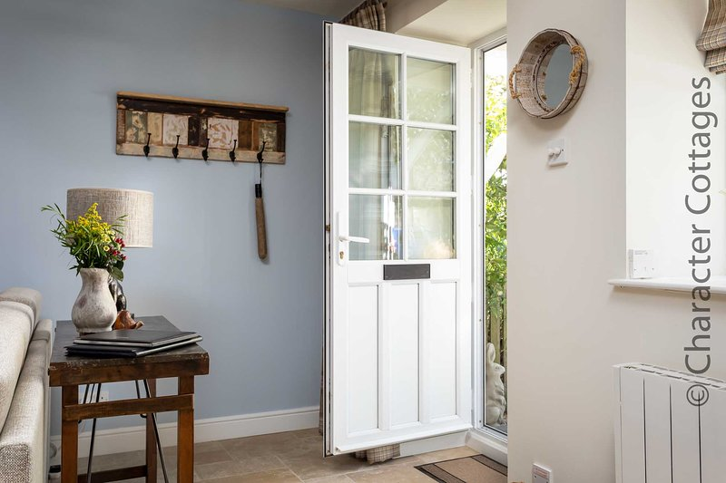 The stylish and practical entranceway
