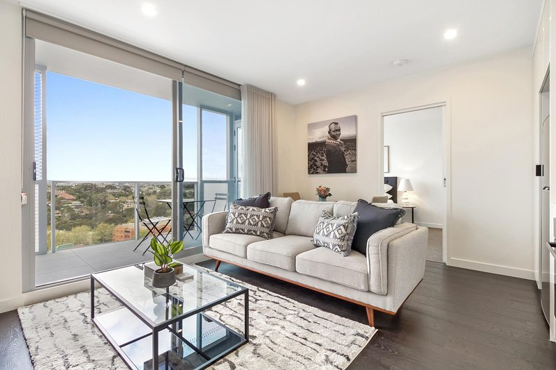 Brand New Apartment With Balcony, Gym and Sauna, holiday rental in Balwyn