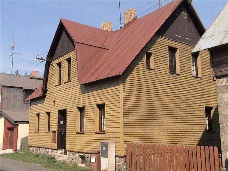 Lavish Holiday Home in Abertamy near Ski Area, holiday rental in Jachymov