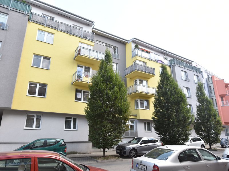 Modern Apartment in Podebrady with River Nearby, alquiler de vacaciones en Central Bohemian Region