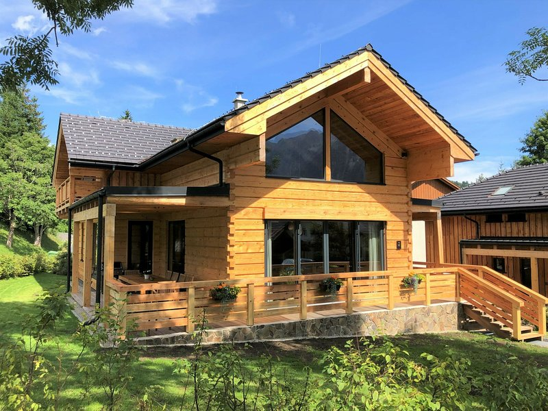 Modern Chalet in Tauplitz with Private Sauna, location de vacances à Bad Mitterndorf